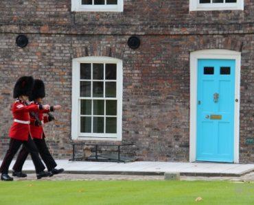 blue door guards tower of london